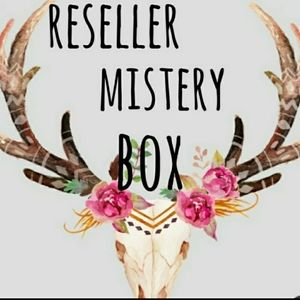 6 Items for $ 25 reseller mistery box
